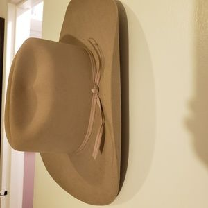 Brand new cowboy tan stetson hat